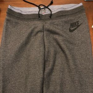 Brand new never worn Nike Sweatpants!